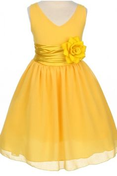 yellow flower girl dress except with a white daisy instead of the yelllow flower