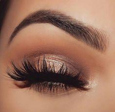 Best Makeup Ideas For Laying Mascara And Eyeliner Gorgeous Makeup, Pretty Makeup, Love Makeup, Makeup Inspo, Makeup Set, Makeup Style, Teen Makeup, Makeup To Go With Pink Dress, Prom Makeup Red Dress