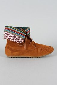 Cherokee-05 Lace Up Round Toe Moccasin Boot