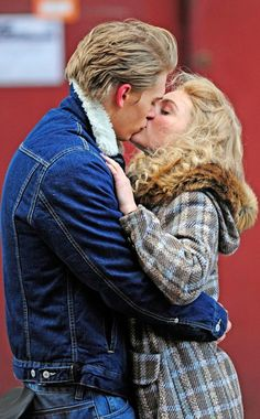 Carrie and Sebastian -The Carrie Diaries