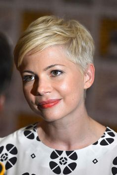 Michelle Williams.. Fabulous! I can't believe she's growing it out!!