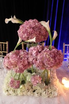 50 Fabulous and Breathtaking Wedding Centerpieces Tall Wedding Centerpieces, Wedding Flower Arrangements, Floral Centerpieces, Floral Arrangements, Centerpiece Ideas, Centrepieces, Wedding Tables, Decoration Table, Vases Decor