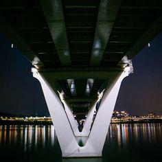 #서울 의 남북을 잇고, 더 많은 이들이 조화롭고 행복한 일상을 누릴 수 있게 해주는 #구리암사대교  #Guri-Amsa_Bridge connects north and south of #Seoul and helps many people to live in harmony.