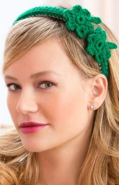 Create your own festive St. Patrick's Day outfit with this headband.  Free pattern to crochet this headband.