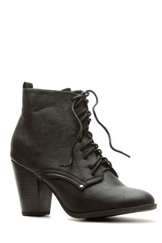 The perfect comfy boots for this fall! They feature a faux leather material, lace up cut for adjustment, round toe cut and side zipper for closure. Pair these boots up with your favorite coat and leggings for a fabulous look on a chilly day!-True to size