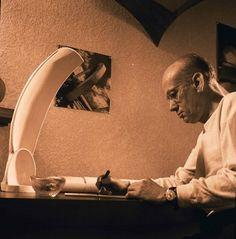 ng. Eduardo Torroja Miret, con la maqueta de la lámina de la iglesia de Pont Suert, Lleida 1952. Proyecto en el que colaboró con el arquitecto J.R. Mijares.