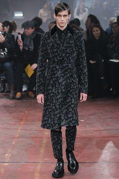 Alexander McQueen - Fall 2015 Menswear - Look 3 of 33