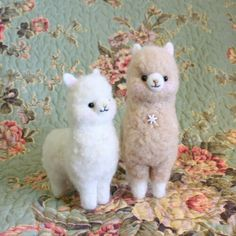 Neddle felting / Alpaca :D not a llama, but close enough