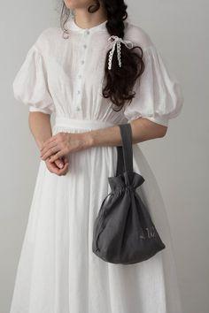 Meg Dress in White with short sleeves, Linen Dress - sexy & night - Motherhood White Linen Dresses, White Wedding Dresses, White Dress, Dress Wedding, Wedding White, Corsage, Wedding Dress With Pockets, Dress Pockets, Pregnant Wedding Dress