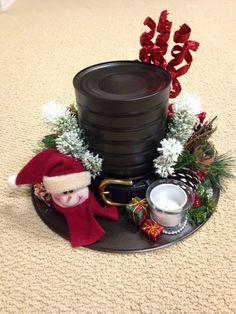My Creative Corner!: Snowman Hat Centerpiece and Bed Spring Snowman Tree Topper Snowman Tree Topper, Snowman Hat, Diy Snowman, Tree Toppers, Snowman Faces, Snowman Wreath, Snowman Ornaments, Christmas Craft Fair, Christmas Snowman