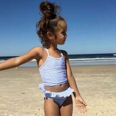 Little Girl Swimsuits, Cute Little Girls Outfits, Cute Girl Dresses, Bikini Girls, Preteen Girls Fashion, Young Girl Fashion, Bikini Halter, Mädchen In Bikinis, Little Girl Models