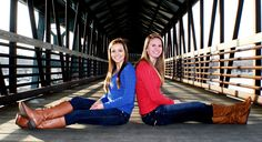 Need to do with my bff Friend Senior Pictures, Sister Pictures, Best Friend Pictures, Friend Photos, Senior Pics, Friend Poses Photography, Photography Ideas, Portrait Photography, Picture Poses
