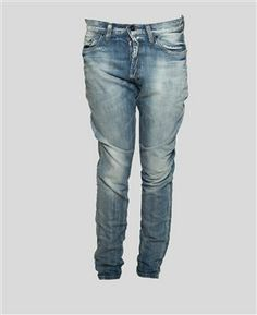 MAINLINE WOVEN TAPERED DENIM 6 YEAR WASH Online or in-store - The Allotment Store