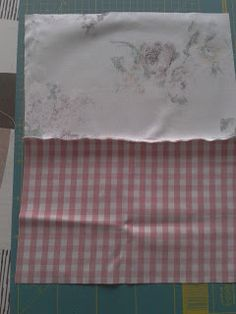 EntreHilos y algo más: TUTORIAL BOLSITA DE TELA Sewing Box, Laundry Basket, Diy And Crafts, Patches, Textiles, Quilts, Embroidery, Crochet, Inspiration
