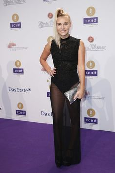 Pin for Later: Seht alle Outfits der Stars beim Echo Dagi Bee