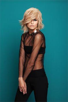 http://www.vanityfair.it/beauty/trend/15/04/01/trend-capelli-tagli-medi-bob-caschetto-shag?utm_source=facebook