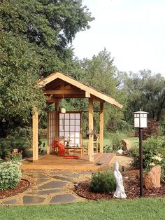 Who says your deck needs to be attached to the house? Why not build a little sanctuary in your own backyard?