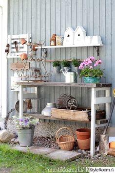 piha,istutuspöytä,puutarha,kukkia