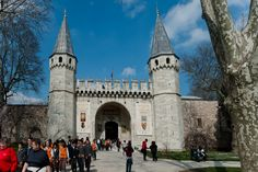 Topkapı Palace entrance, Istanbul by Suha Ataoğuz on 500px. The Topkapı Palace (Turkish: Topkapı Sarayı or in Ottoman Turkish: طوپقپو سرايى) is a large palace in Istanbul, Turkey, that was the primary residence of the Ottoman sultans for approximately 400 years (1465–1856) of their 624-year reign. It commands an impressive view of the Golden Horn, the Bosphorus and the Sea of Marmara.
