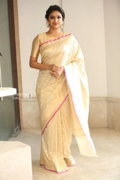 Keerthy Suresh at Pandem Kodi 2 Trailer Launch - South Indian Actress Kerala Saree Blouse Designs, Saree Blouse Patterns, Blouse Neck Designs, Indian Dresses, Indian Outfits, Indian Clothes, Indische Sarees, Sari Bluse, Whatsapp Videos