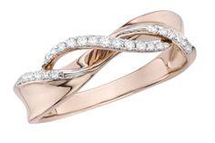 promise ring...............i love the rose gold!