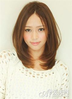 medium length hairstyles for asian women | 这款女生中分发型,时尚的数码烫,修颜减龄又不失 ...