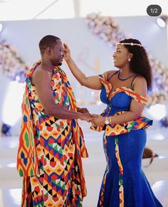 African Print Fashion, Africa Fashion, African Prints, Fashion Prints, Women's Fashion, African Wear, African Dress, Slit And Kaba Styles, Kente Dress