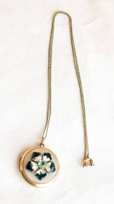 Wonderful Vintage Locket! New Listing! Free Shipping On Orders of $10 or more. Two Days Only!