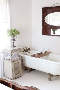 We had a claw foot tub in our previous Victorian home! Loved it!