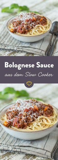 Das Ragout Bolognese ist der Klassiker unter den Pasta Saucen. Richtig gut wird es erst, wenn es über Stunden eingekocht wird, z.B. in einem Slow Cooker.