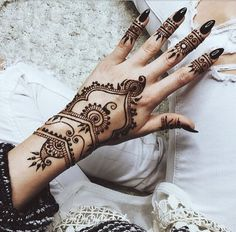 amazing, awesome, black nails, cheetah, cool, fashion, hand, henna, henna tattoo, inspiration, jeans, nails, ripped jeans, tattoo, tattoos