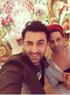 Check out! Handsome Ranbir Kapoor fools around with Pammi aunty