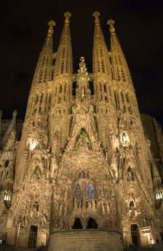Barcelona, Spain - Sagrada Familia - One of the coolest things I've ever seen. I Gaudi. Places Around The World, Oh The Places You'll Go, Places To Travel, Places Ive Been, Places To Visit, Wonderful Places, Beautiful Places, Amazing Places, Hotel W