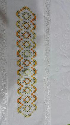 Hardanger Embroidery, Hand Embroidery Stitches, Embroidery Patterns, Cross Stitch Patterns, Needlepoint Stitches, Needlework, Embroidery On Kurtis, Swedish Weaving, Straight Stitch