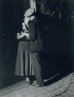 BRASSAÏ :: Lovers in the Latin Quarter, 1932