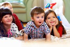 «А давай вместе мультики смотреть?» мультмарафон от «Витебского курьера»  Дети с большим нетерпением ждут новогодних праздников, ведь дома стоит главная гостья праздника – елка, а под ней огромное количество подарков, а главное – впереди каникулы. «А давай