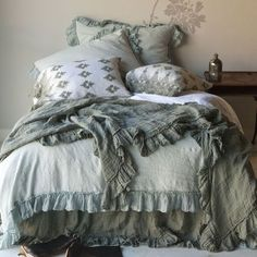 I want to crawl right in this bed and never get out!