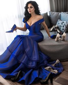 Thousands of gorgeous prom dresses and gowns 2018 at Lunss Gallery. You'll find plenty of prom dresses in unique styles, cuts, fabrics, and lengths. Royal Blue Prom Dresses, Prom Dresses 2017, Cheap Prom Dresses, Sexy Dresses, Blue Dresses, Cobalt Blue Dress, Fashion Dresses, Mermaid Evening Dresses, Formal Evening Dresses