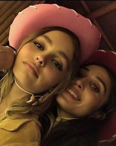 Lily Rose Depp Style, Lily Rose Melody Depp, Vanessa Paradis, Johnny Depp, Pretty People, Beautiful People, Lily Depp, Teenage Dirtbag, Cute Friends