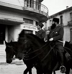 Kώστας Μπαλάφας: Ο φωτογράφος της ήττας | Αρχείο | ΘΕΜΑΤΑ | LiFO