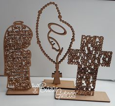 Recordatorios en corte laser para bautizo y Primera Comunion Facebook Sign Up, Ideas Para, Place Card Holders, Baby Shower, First Holy Communion, Printmaking, Decorations, Babyshower, Baby Showers