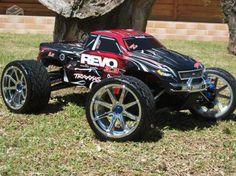 traxxas revo 3.3 I truly LOVE my REVO !!