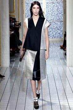 Balenciaga Fall 2011 Ready-to-Wear Fashion Show - Jamie Bochert (OUI)