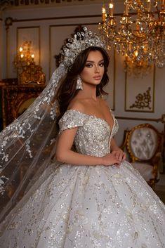 Muslim Wedding Gown, Indian Wedding Gowns, Fancy Wedding Dresses, Stunning Wedding Dresses, Princess Wedding Dresses, Beautiful Gowns, Bridal Dresses, Gown Wedding, Fairytale Gown