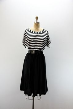 LG  Vintage Dress Black and White by SIZEisJUSTaNUMBER on Etsy, $44.00