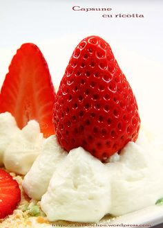 ricotta & strawberies