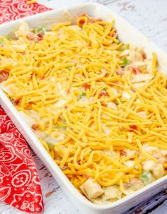 This King Ranch Chicken Casserole is a combo of chopped chicken, cheese, tortillas, and spicy tomatoes in a creamy sauce, and is a sure-fire hit. Family Fresh Meals, Easy Family Dinners, Quick Easy Meals, Easy Dinners, Family Recipes, Mexican Food Recipes, Dinner Recipes, Ethnic Recipes, King Ranch Chicken Casserole