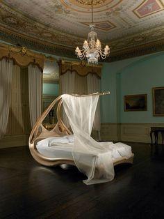 Lit canopée de luxe par Joseph Walsh