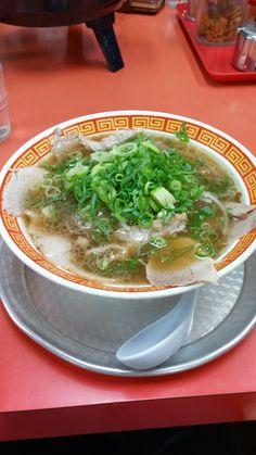 神戸もっこす 中華そば Japanese Noodles, Japanese Ramen, Japanese Food, Junk Food, Wine Recipes, Euro, Asia, Shops, Ethnic Recipes