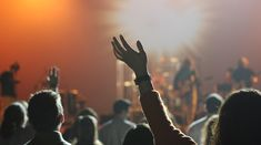 9 Reasons Why I Raise My Hands During Worship